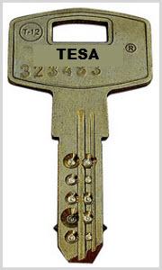 Chaves Tesa modelo T12