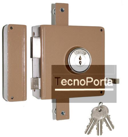 Fechadura tipo sofer com 2 trancas verticais com chaves de 2 entradas