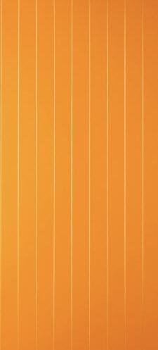 Painel fabricado em alumínio para portas blindadas Gardesa que estejam instaladas em ambientes atmosféricos adversos, tais como vivendas e moradias isoladas. Espessura com 5 mm para um perfeito encaixe nas carnatura exterior. Disponível para lados direitos e esquerdos. A furação para o cilindro exterior e respectivo punho de batente tem o riscado mais largo da porta. Acabamento em diversas cores de ral das quais destacamos a cor em amarelo que é uma cor moderna, que ao conjugar um puxador ao alto em inox faz com a porta tenha um aspecto muito moderno.
