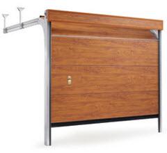 Portão Seccionada com acabamento a imitar madeira natural