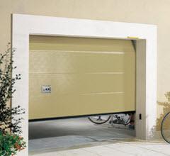 Portão Seccionada com acabamento lacado