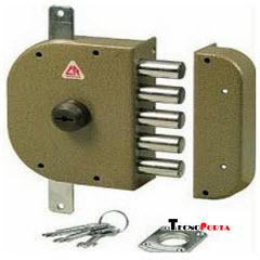 fechadura cr com chaves de bomba sem trinco e 2 trancas verticais