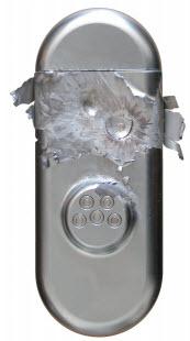O puro aço dos escudetes de segurança