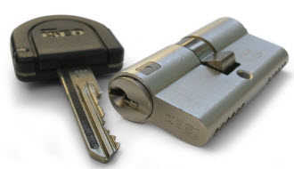 canhão e chave electrónica iseo