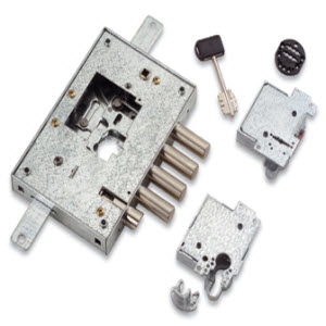 Fechadura Securemme para portas blindadas com nucleo de chaves de duplo palhetão ou cilindro