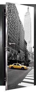 Porta interior blindada com pvc modelo nova york. porta com sistema de alarme incluído